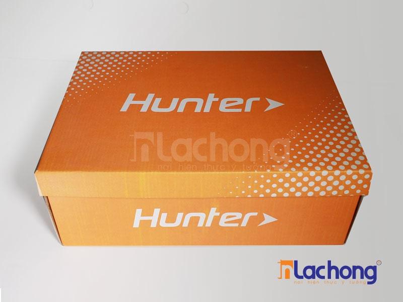 in hộp giấy đựng giầy Hunter