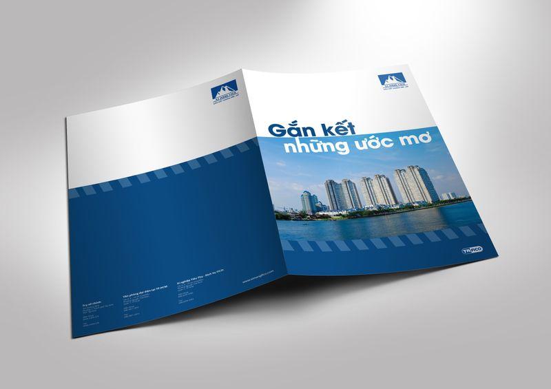 Trang bìa catalogue thể hiện những thông tin cơ bản với thiết kế hài hòa, không gây rối mắt.