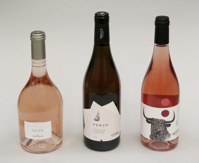 In nhãn giấy đẹp giúp phân biệt các loại rượu một cách dẽ dàng hơn