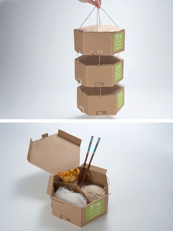 Khác biệt với mẫu túi giấy lấy ý tưởng từ chiếc cặp lồng khiến nhiều khách hàng phải ngỡ ngàng. Với mẫu túi giấy đựng thực phẩm vô cùng sáng tạo này, việc thưởng thức những món ăn trở nên quen thuộc như chính món ăn tại nhà. Nhất là đối với dân văn phòng, hình thức bao bì này sẽ là tiêu chí để họ trở thành khách quen của bạn.