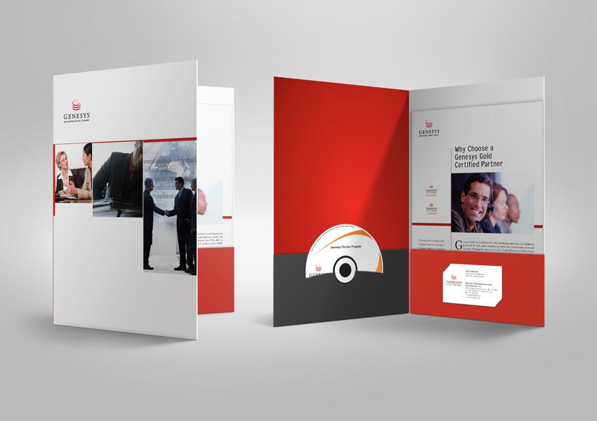 Thiết kế hướng đến sự tiện lợi, kẹp file vector có thể để thêm đĩa và card visit.