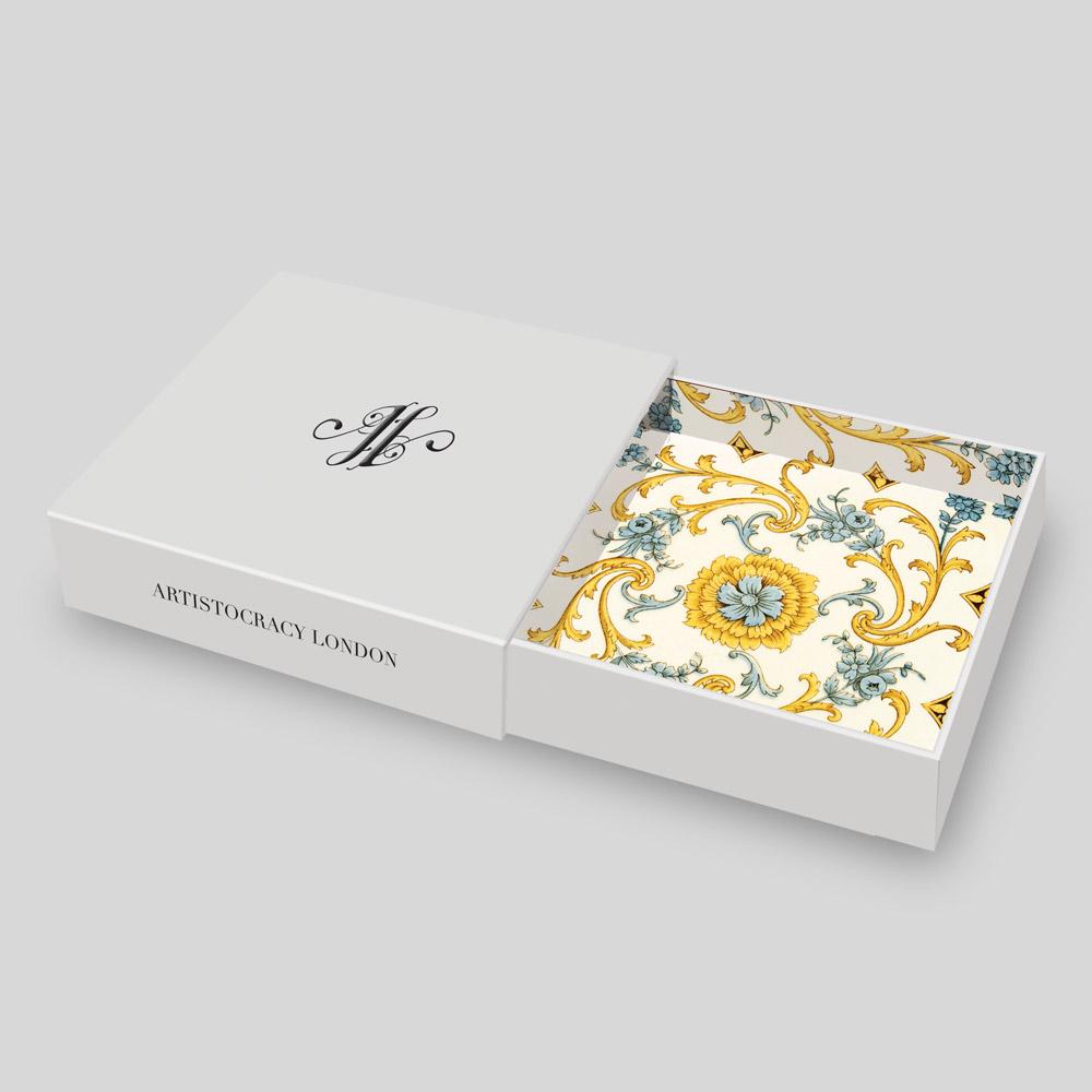 Thiết kế hộp giấy đẹp từ trong ra ngoài, tăng tính sang trọng của sản phẩm đụng ở trong nó.