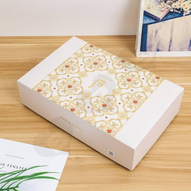 Sở hữu mẫu thiết kế hộp giấy đẹp sẽ góp phần nâng cao giá trị của sản phẩm.