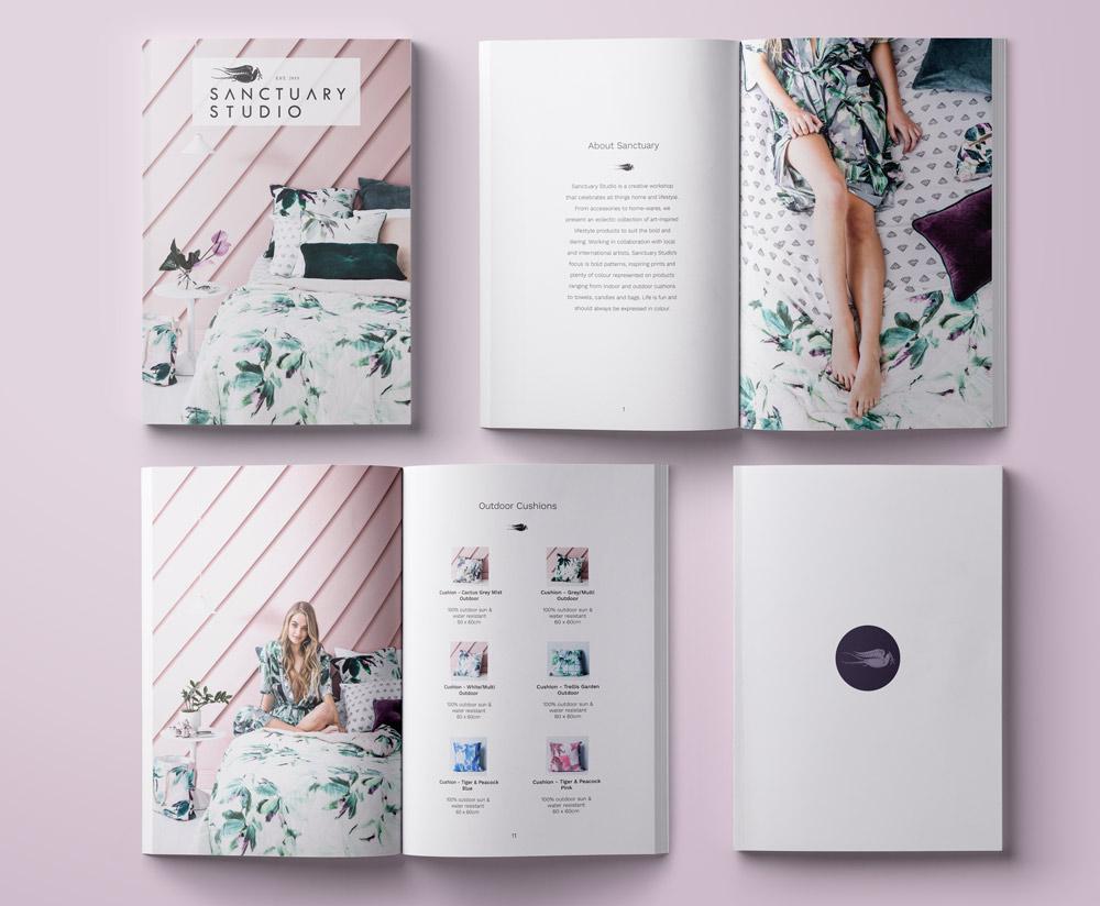 Chuyên nghiệp với các mẫu catalogue có màu sắc nhẹ nhàng.