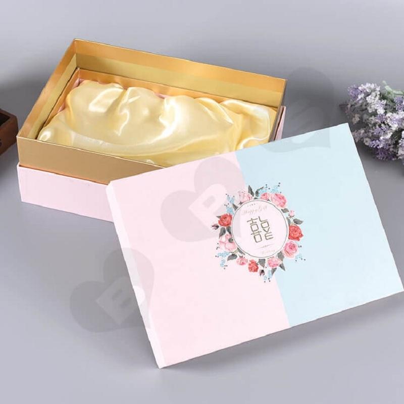 Mẫu hộp giấy đựng quà tặng tại Lạc Hồng, cam kết đem đến những thiết kế mang tính thẩm mỹ cao.