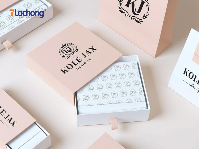 Lạc Hồng chuyên thiết kế các mẫu in hộp giấy đựng quà tặng tại Ba Đình, đáp ứng tốt nhu cầu của các bạn.