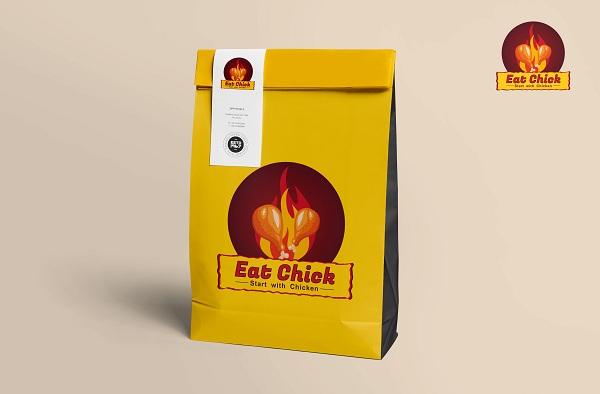 Thiết kế logo vào bề mặt túi giấy đựng gà rán để quảng cáo tốt hơn