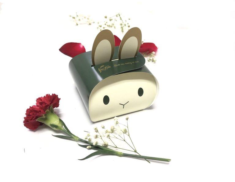 In hộp giấy đựng bánh gia trịnh, thiết kế hộp giấy ấn tượng của Lạc Hồng được khách hàng đáng giá cực kì cao