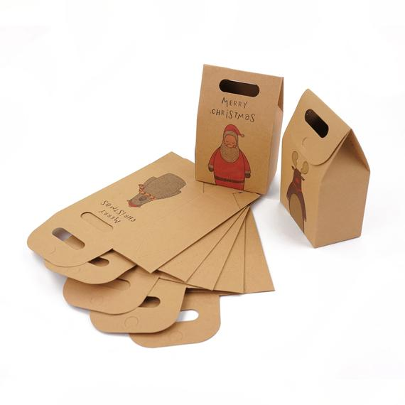Hộp kraft đựng quà đẹp, có quai xách, được bế gân dễ gấp, dễ cầm khi di chuyển.