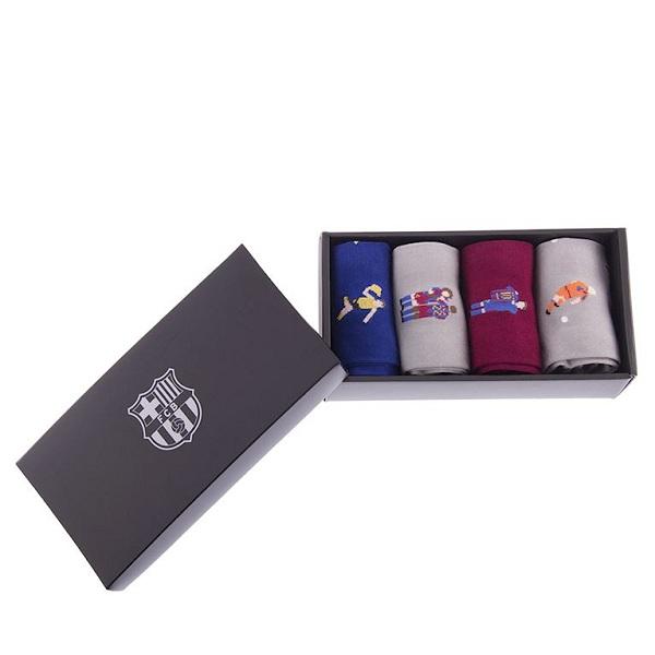 In hộp giấy âm dương đựng tất, màu sắc và thiết kế tối giản tạo cảm giác sang trọng
