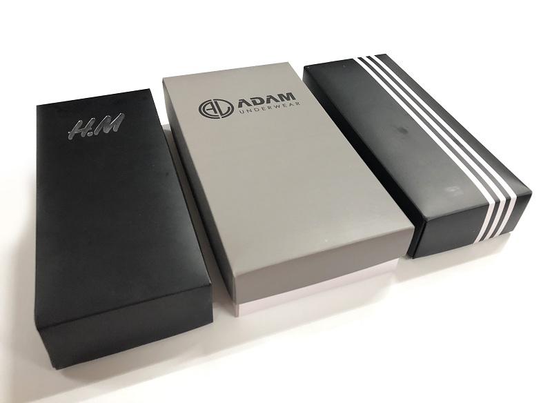 Thiết kế tối giản giúp vỏ hộp sang trọng hơn từ đó gia tăng tối đa chất lượng sản phẩm