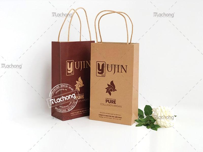 In túi giấy đựng mỹ phẩm bằng giấy kraft cũng là sự lựa chọn hợp lí