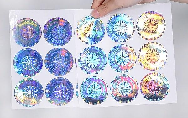 Mẫu tem 7 màu hologram - cực kì nổi bật và tính thẩm mỹ cao