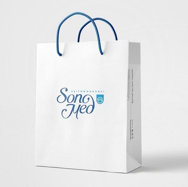 Mock-up túi giấy trắng đẹp