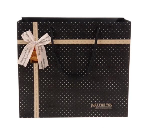 Một chiếc túi giấy đựng quà có lơ là một sự lựa chọn tuyệt vời cho bạn