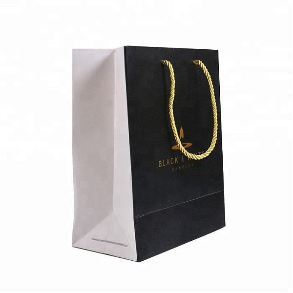 Mẫu thiết kế túi giấy sang trọng cho shop thời trang