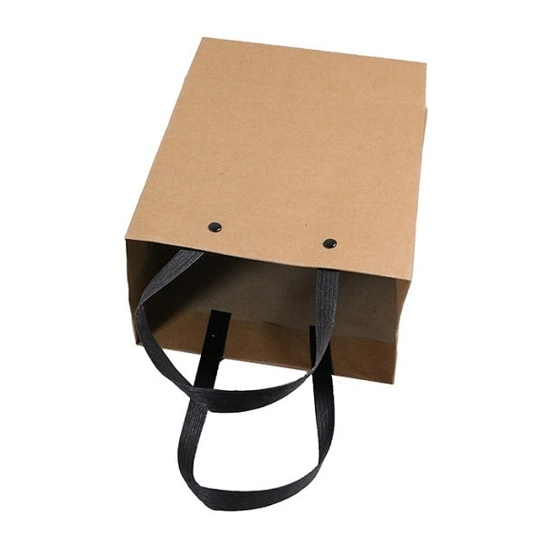 Dây ruy băng là một sự lựa chọn không thể bỏ qua cho mẫu túi giấy của bạn