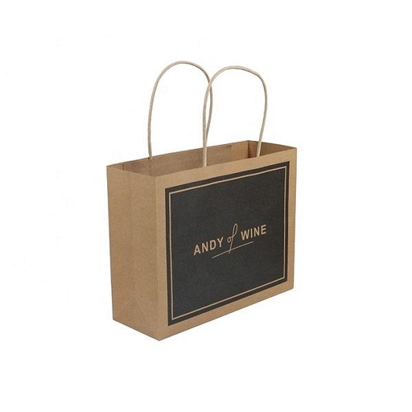 Mẫu thiết kế túi giấy cho shop quần áo bằng chất liệu Kraft giá rẻ
