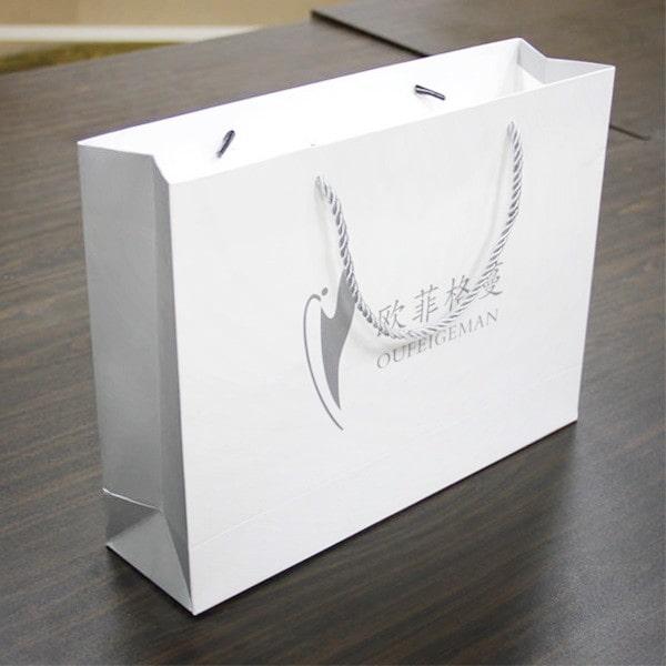 Mẫu thiết kế túi giấy ivory đẹp
