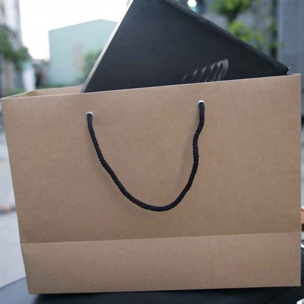 Mẫu túi giấy cho cửa hàng giày