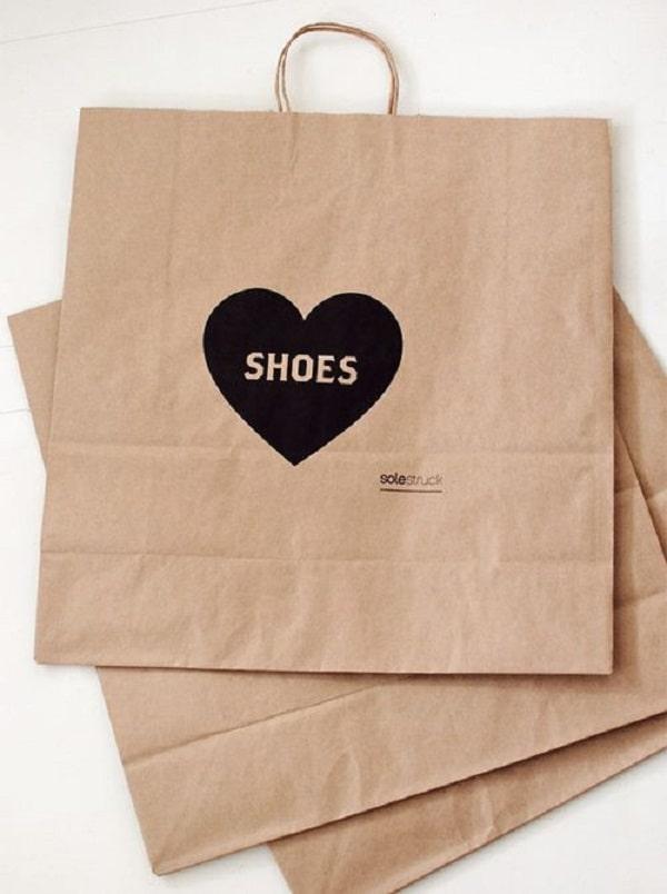 Mẫu túi giấy kraft đựng giày size nhỏ