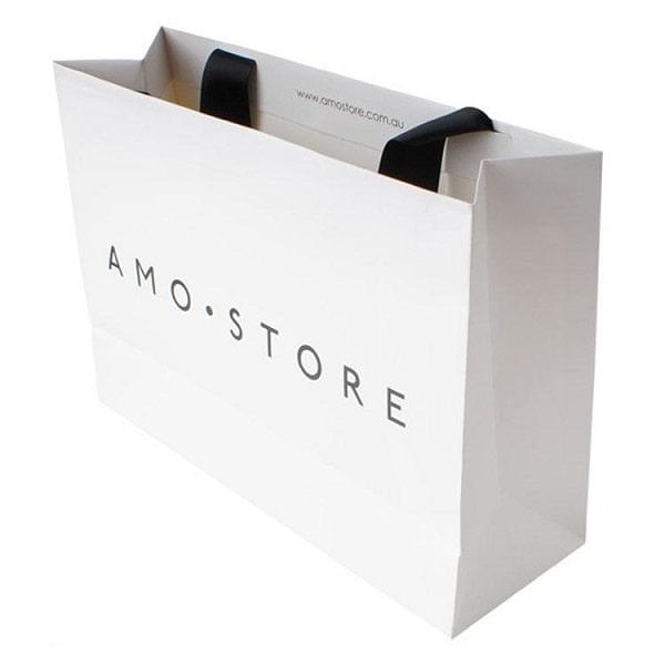 Túi giấy đựng giày cao cấp nâng cao giá trị sản phẩm