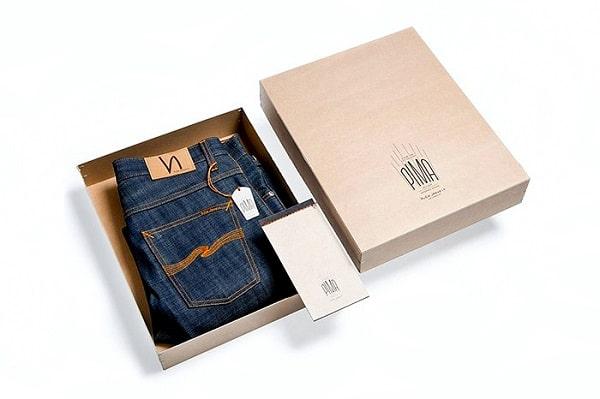 Mẫu vỏ hộp đựng quần Jean được thiết kế đơn giản nhưng khác biệt và dễ gợi nhớ về thương hiệu